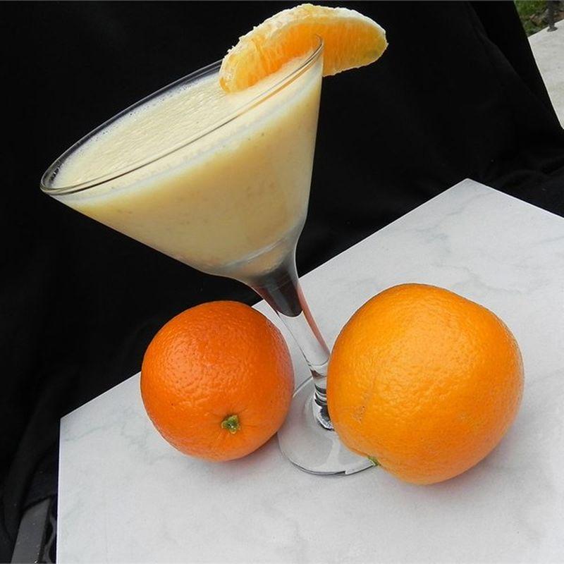 Смузи с апельсином и бананом