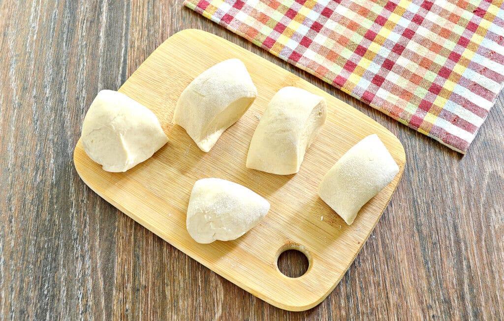 Фото рецепта - Домашние чебуреки с фаршем - шаг 2