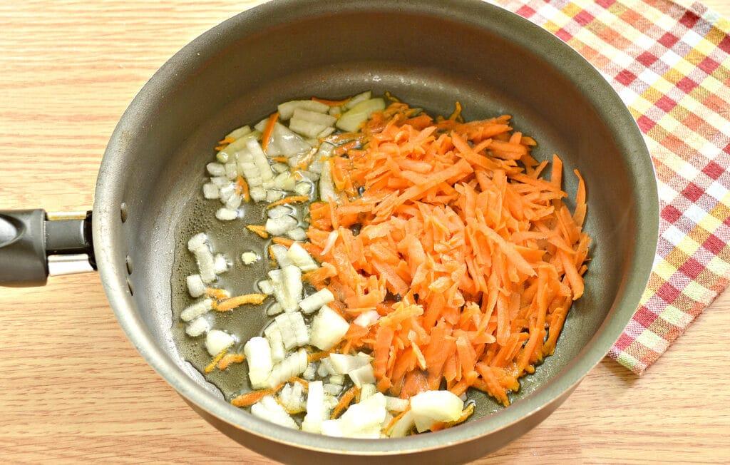 Фото рецепта - Щи с томатным соком - шаг 4