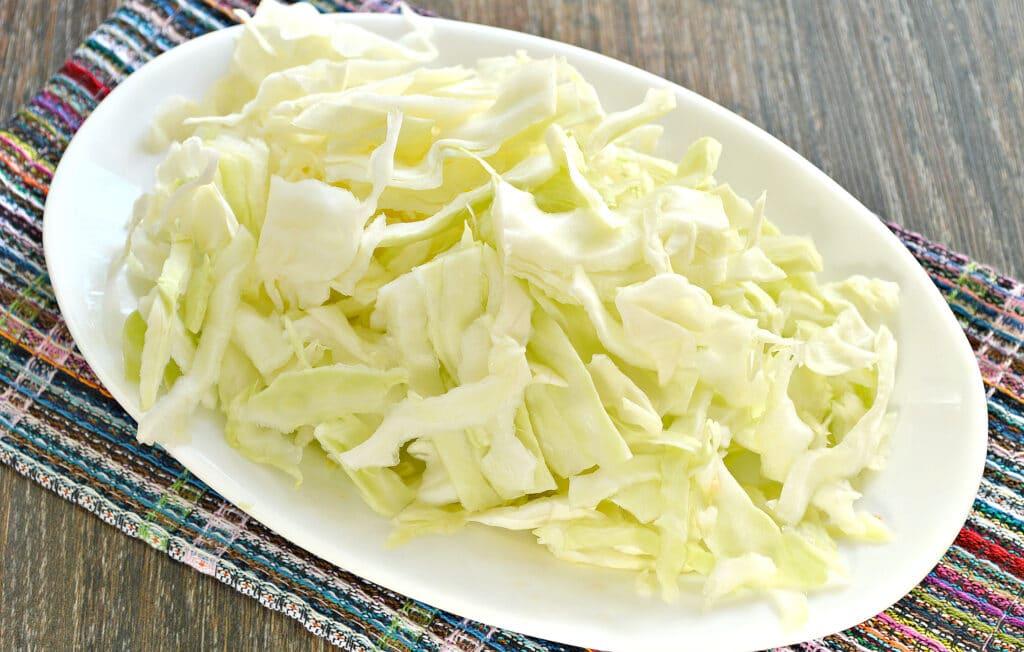 Фото рецепта - Тушеный картофель с капустой и овощами в мультиварке - шаг 3