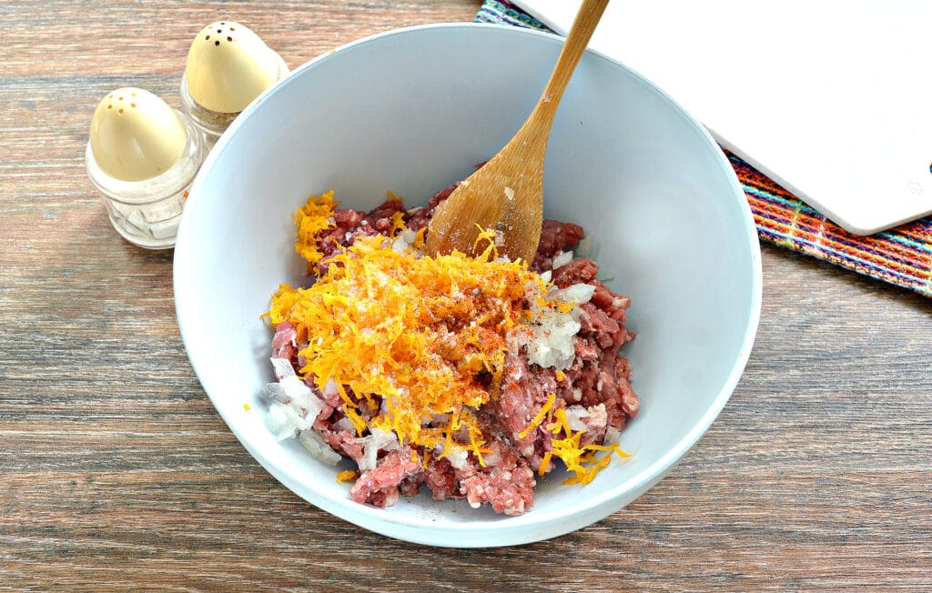 Фото рецепта - Манты с говядиной и тыквой - шаг 4