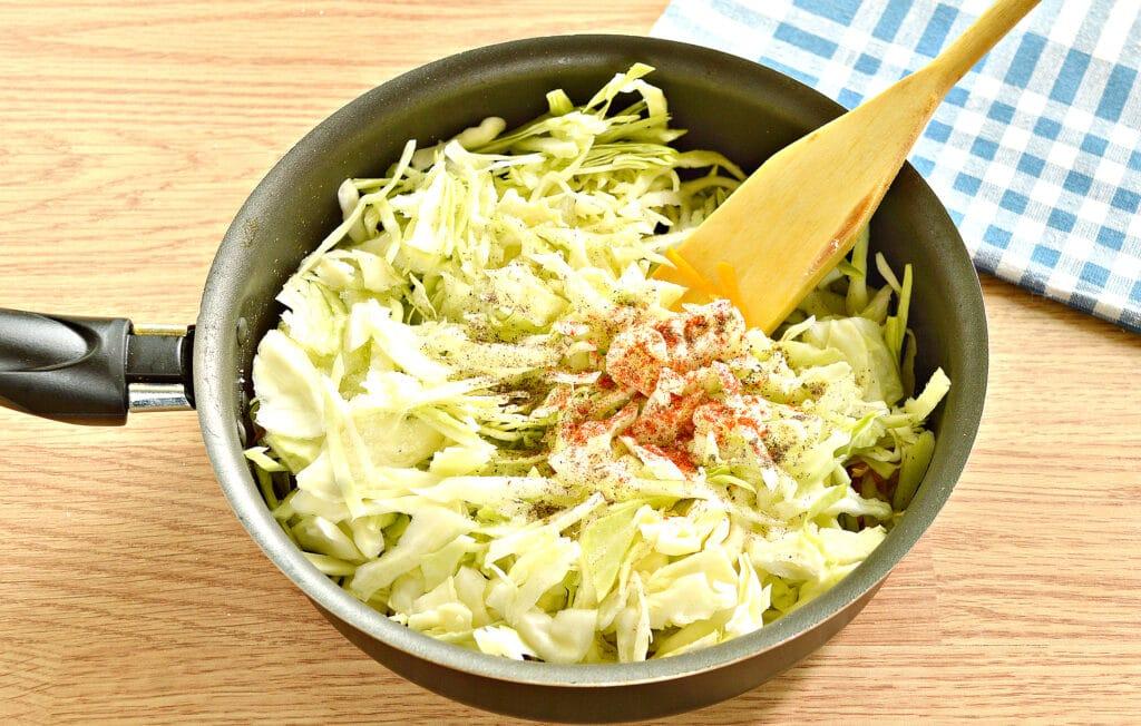 Фото рецепта - Начинка для пирогов из капусты и тыквы - шаг 4