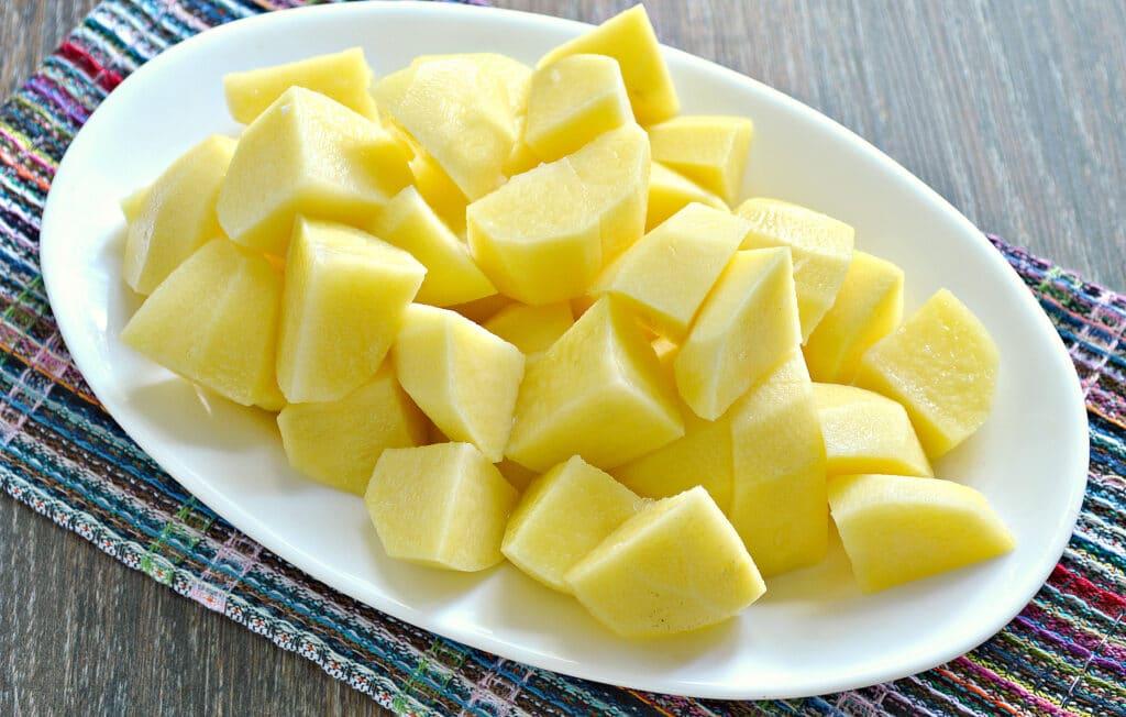 Фото рецепта - Тушеный картофель с капустой и овощами в мультиварке - шаг 4