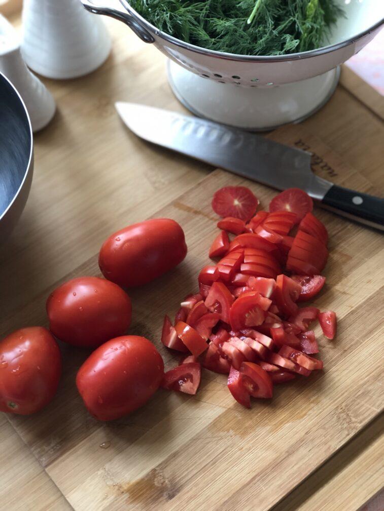 Фото рецепта - Рулетики из баклажанов с томатами и чесноком - шаг 9