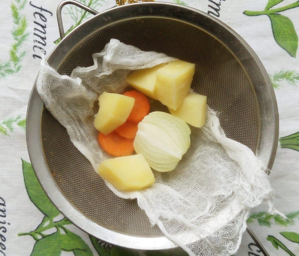 Фото рецепта - Картофельная похлебка с запеченным кроликом - шаг 5
