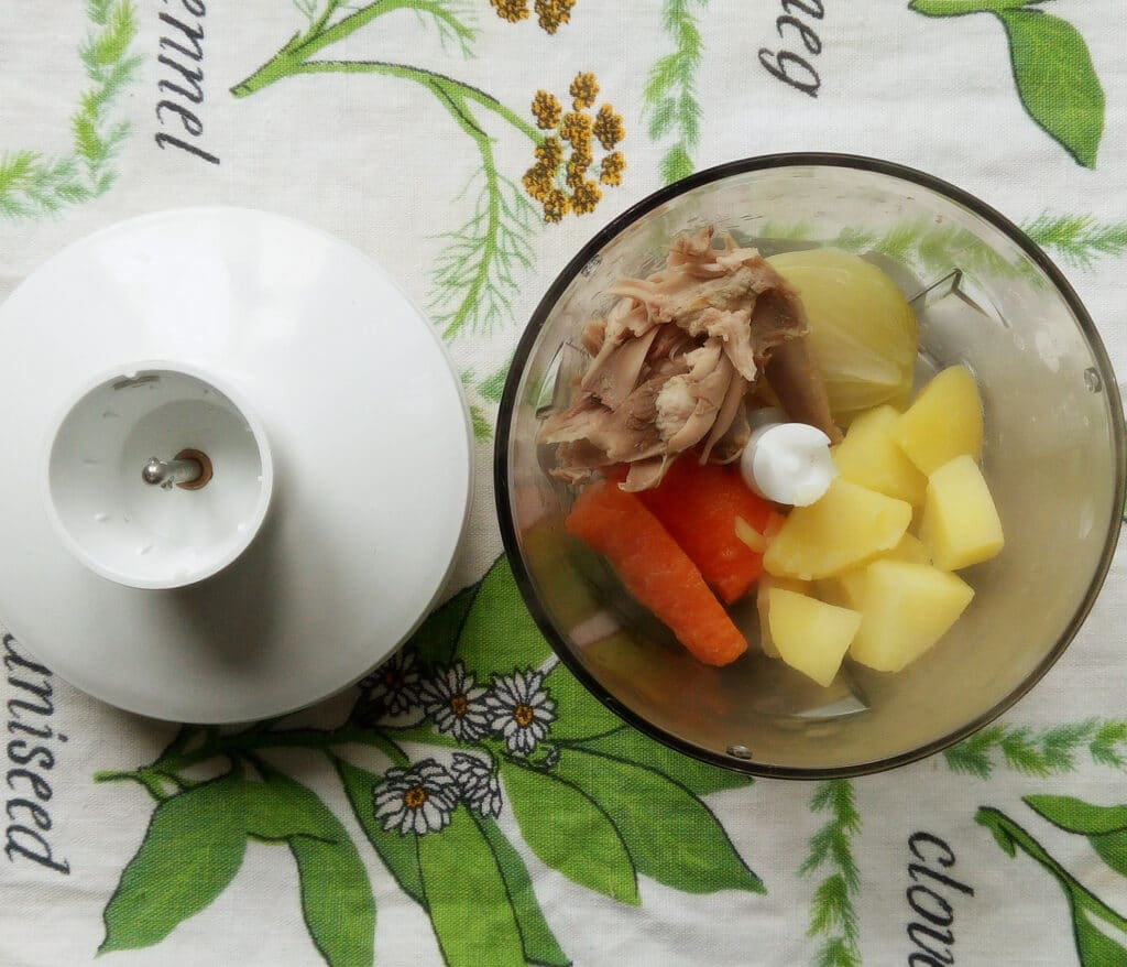 Фото рецепта - Киш с кроликом и сыром - шаг 5