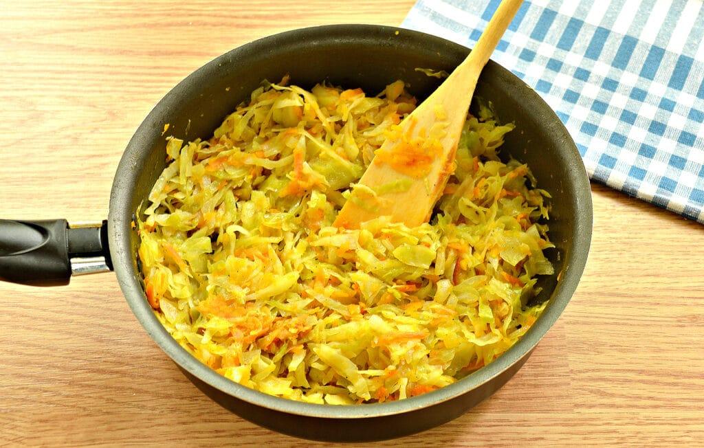 Фото рецепта - Начинка для пирогов из капусты и тыквы - шаг 5