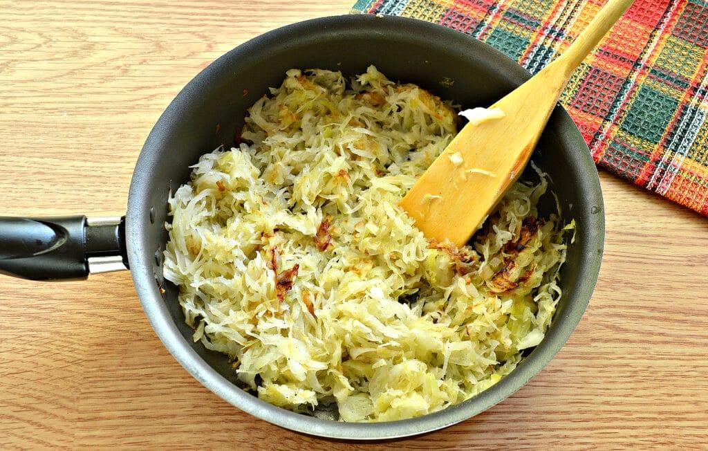 Фото рецепта - Блины с капустной начинкой - шаг 5