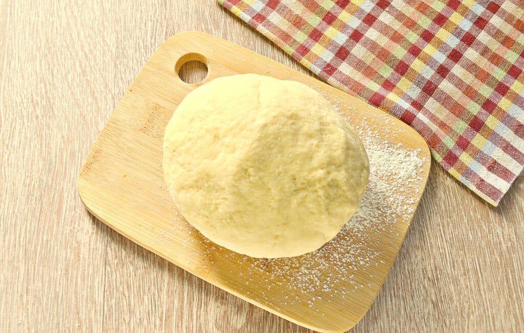 Фото рецепта - Заварное тесто для пельменей и чебуреков - шаг 6