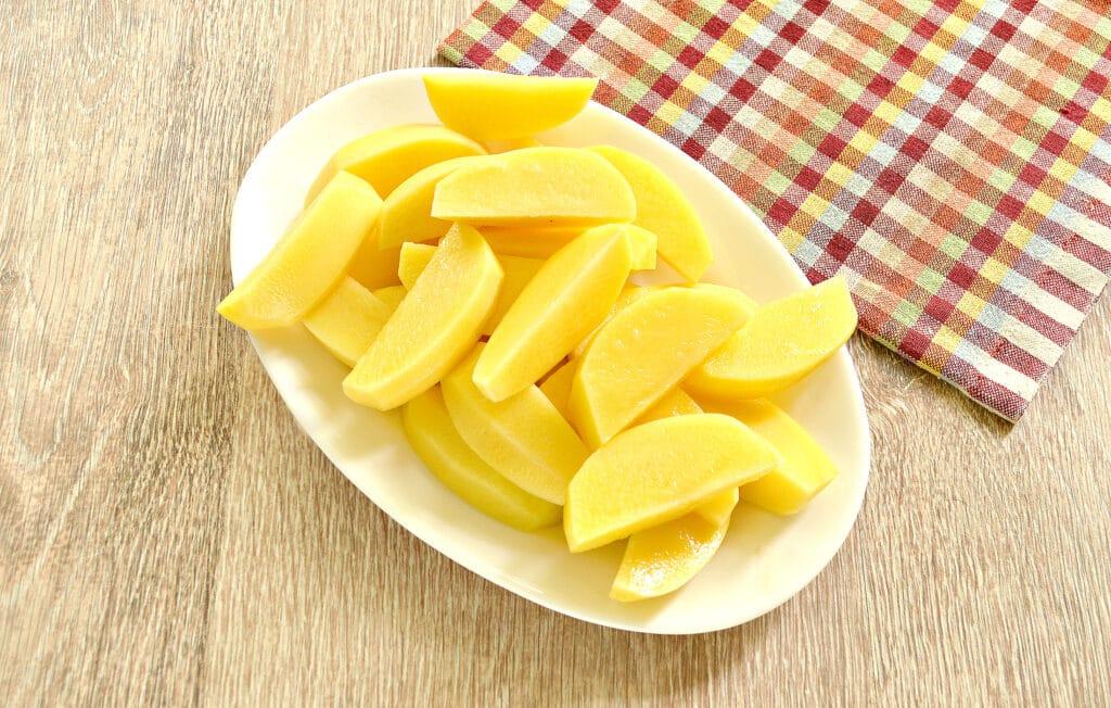 Фото рецепта - Куриные бедра с овощами и картофелем в мультиварке - шаг 5