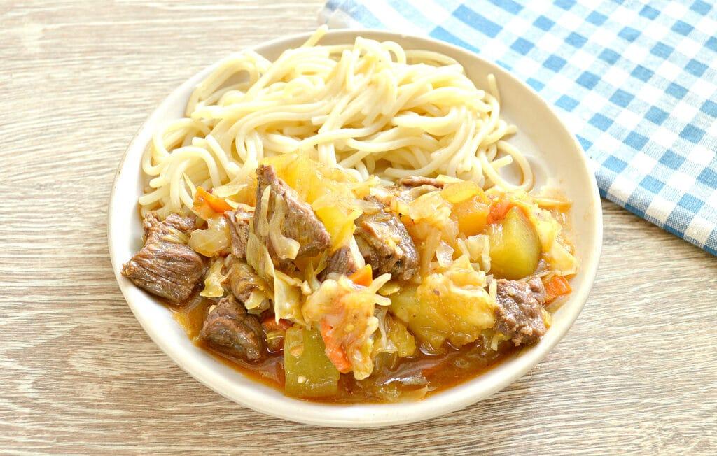 Фото рецепта - Овощное рагу с говядиной в мультиварке - шаг 6