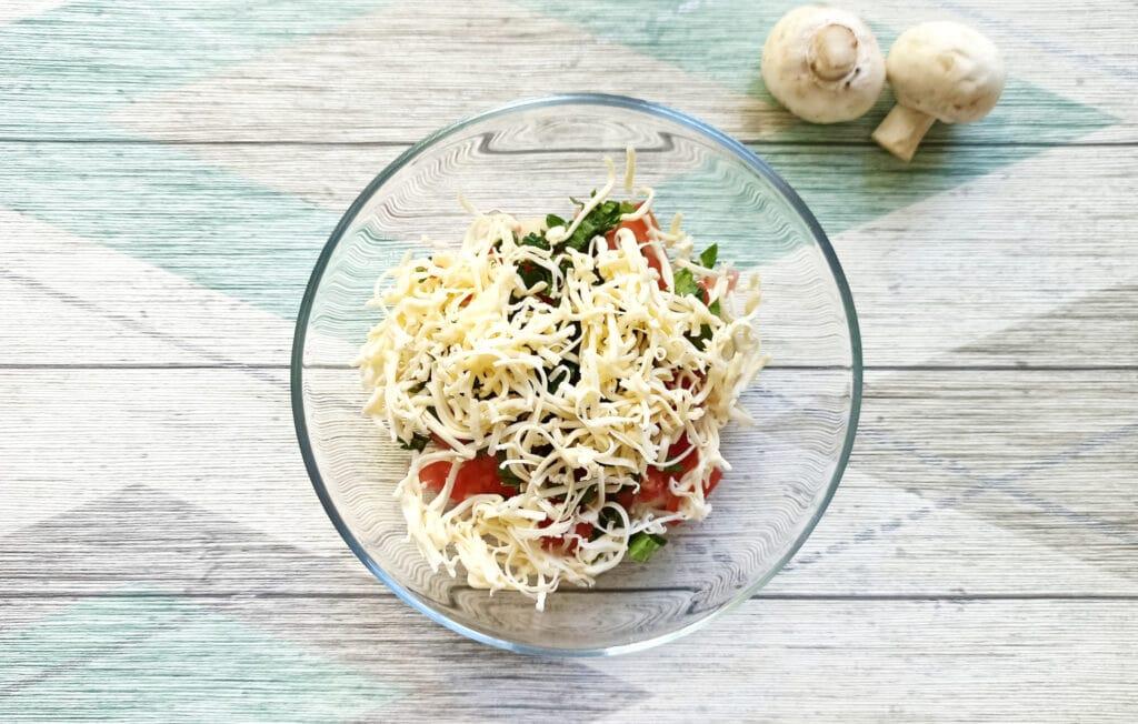 Фото рецепта - Шампиньоны, фаршированные помидорами и плавленым сыром в духовке - шаг 6