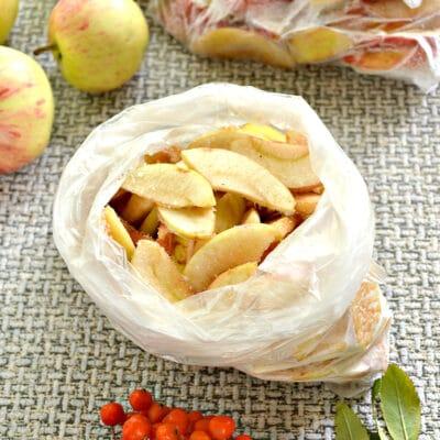 Замороженные яблоки на зиму для компота и пирогов - рецепт с фото