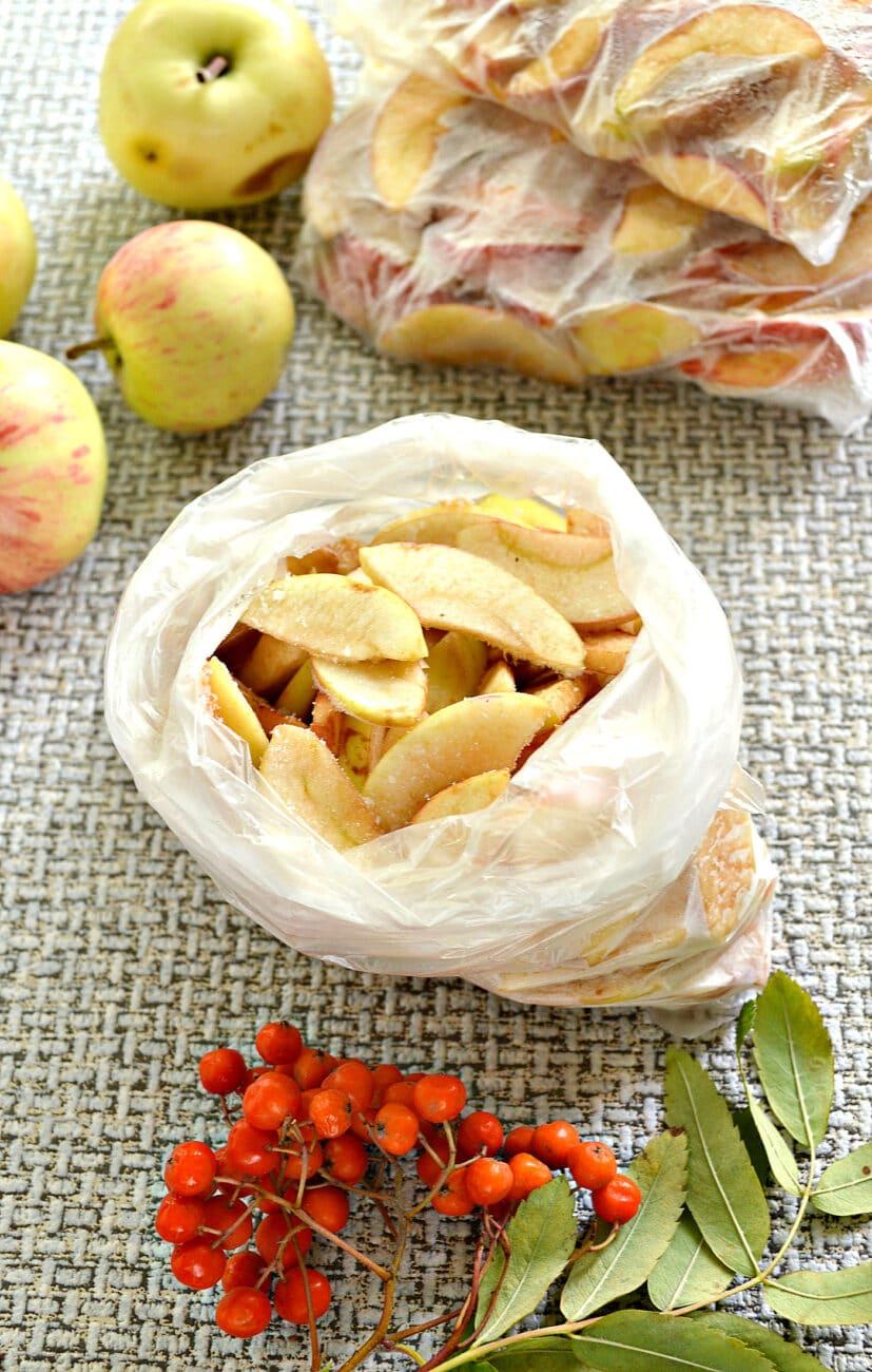 Замороженные яблоки на зиму для компота и пирогов