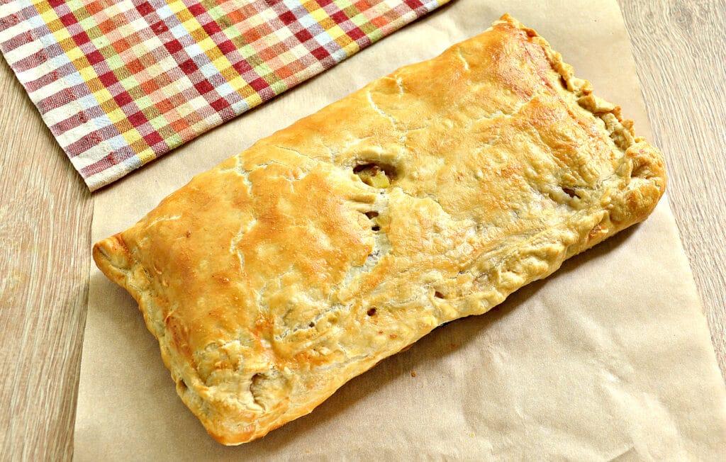 Фото рецепта - Пирог из слоеного теста с фаршем, картофелем и тыквой - шаг 7