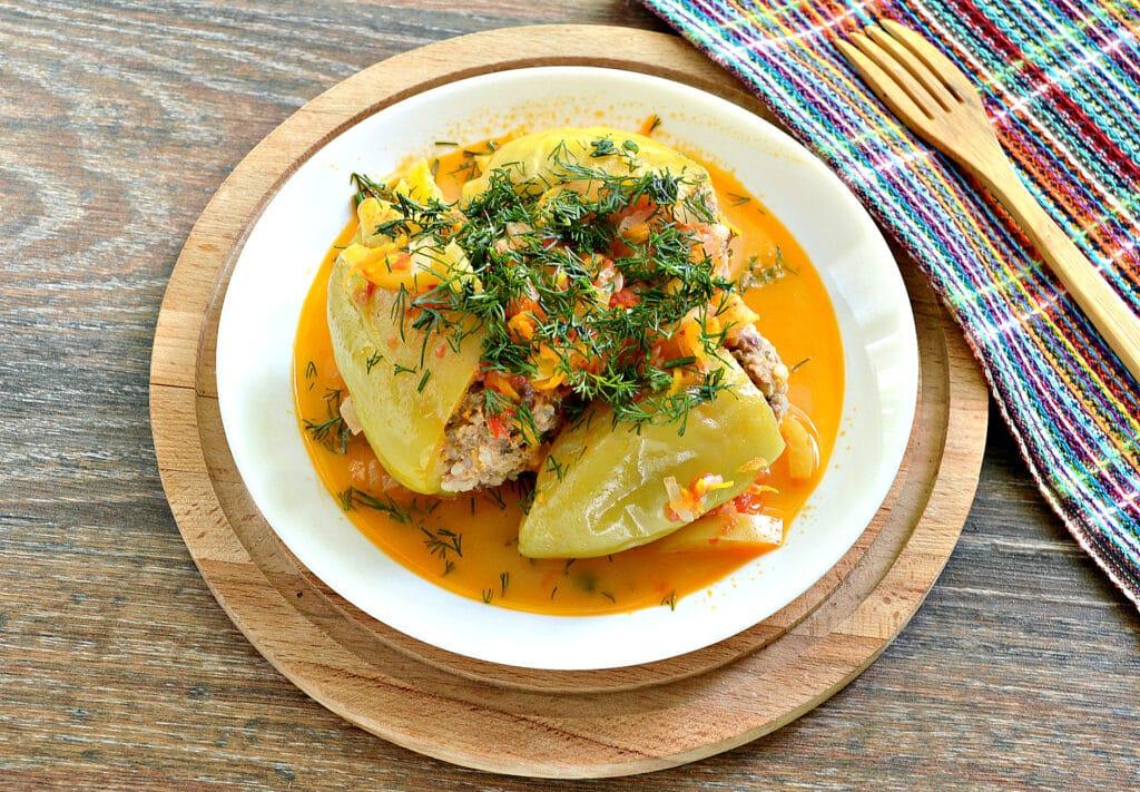 Фото рецепта - Замороженные фаршированные перцы тушеные с овощами - шаг 7