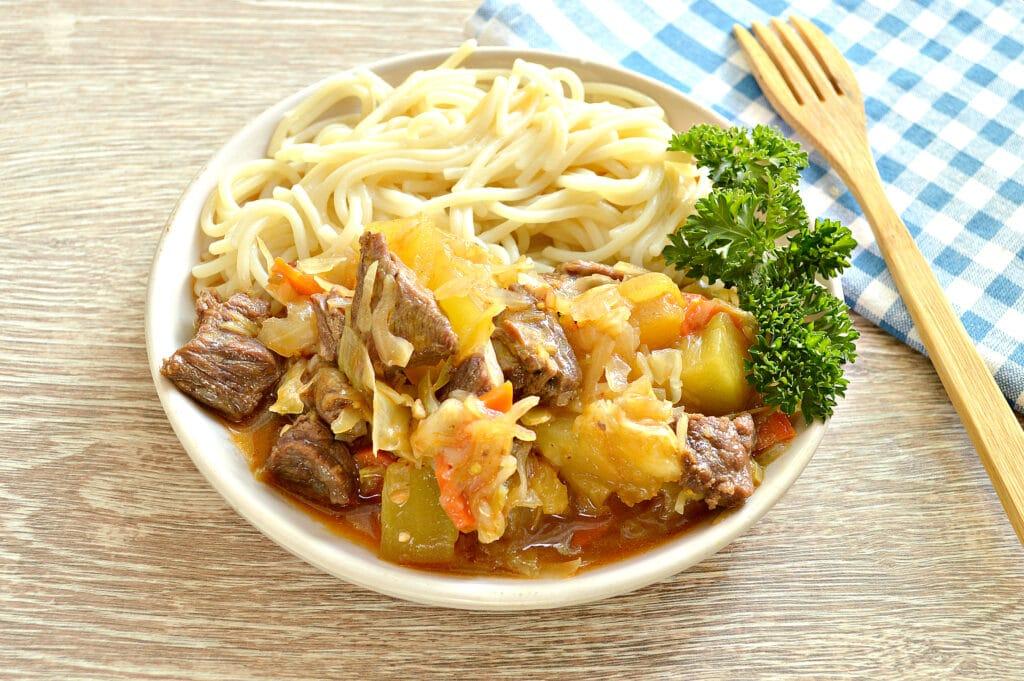 Фото рецепта - Овощное рагу с говядиной в мультиварке - шаг 7