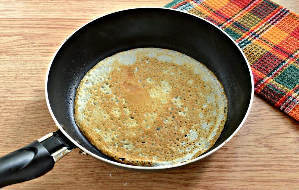 Фото рецепта - Блины с капустной начинкой - шаг 7