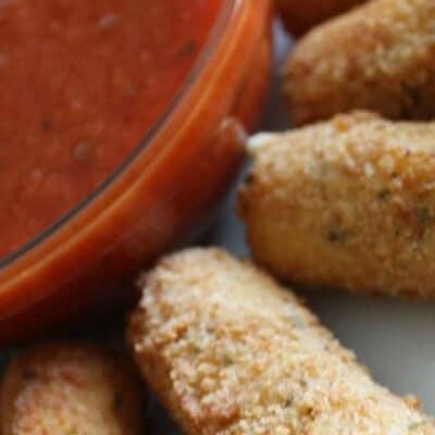 Жареные сырные палочки - рецепт с фото