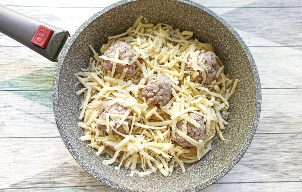 Фото рецепта - «Гнезда» с мясными шариками и грибами - шаг 9