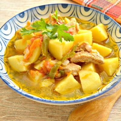 Свинина с картофелем, перцем и помидорами в мультиварке - рецепт с фото