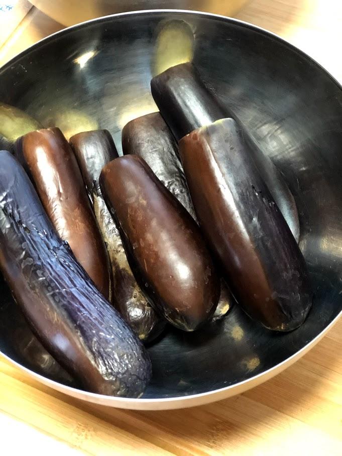 """Фото рецепта - Осенний салат из баклажанов """"грибочки"""" (соленые баклажаны) - шаг 9"""
