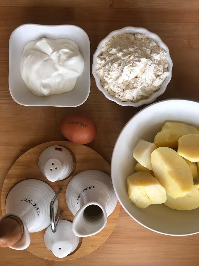 Фото рецепта - Вафли картофельные - шаг 1
