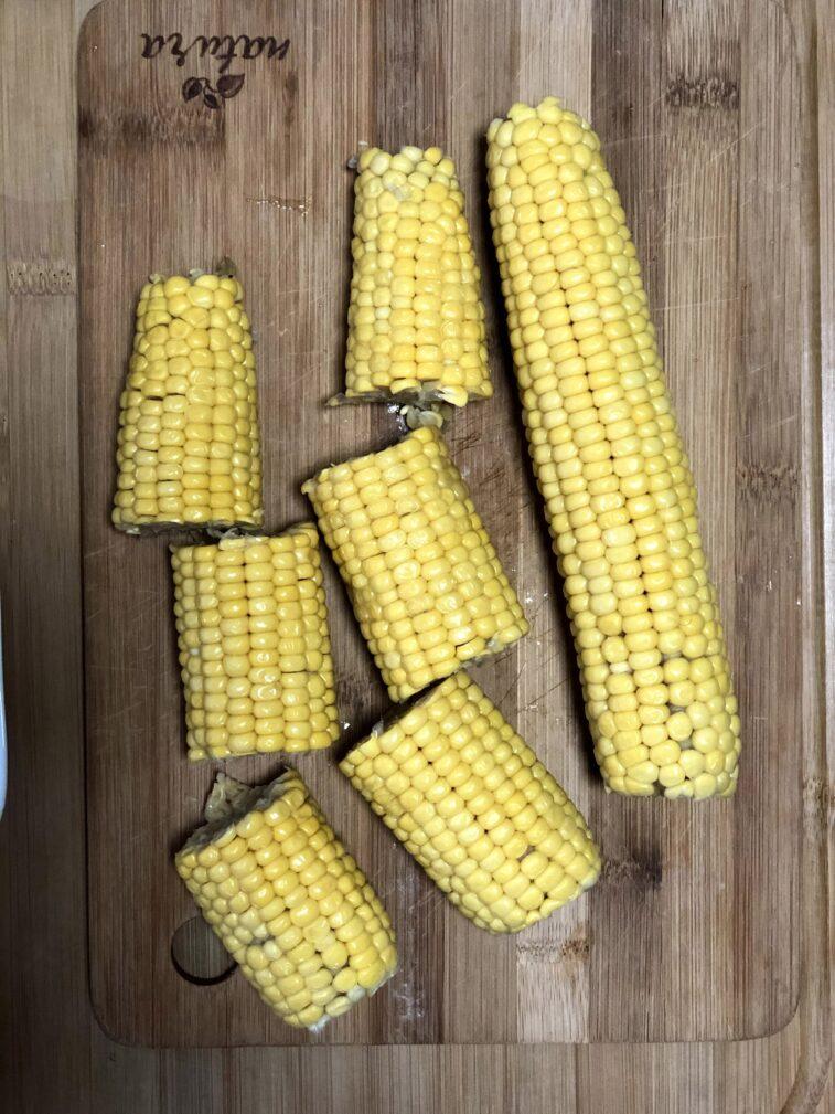 Фото рецепта - Кукуруза и картофель в духовке - шаг 2