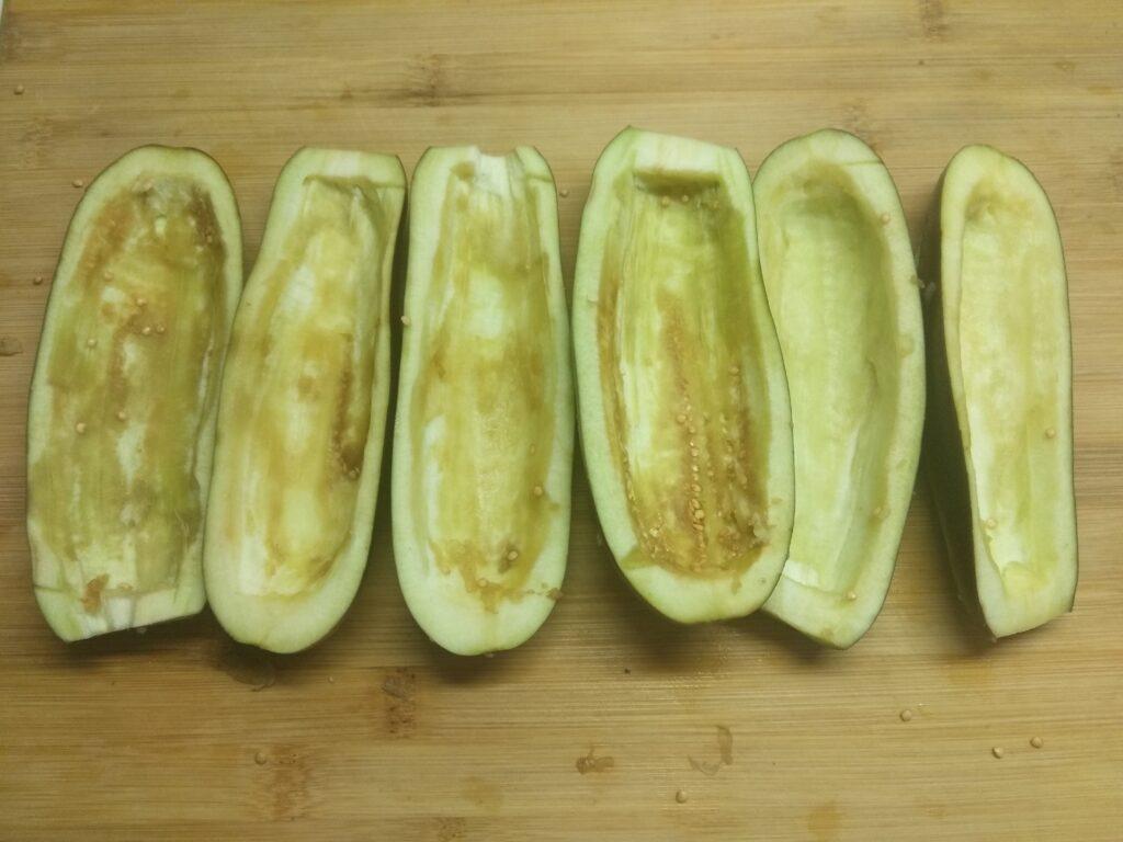 Фото рецепта - Запеченные баклажаны, фаршированные сардинами - шаг 3