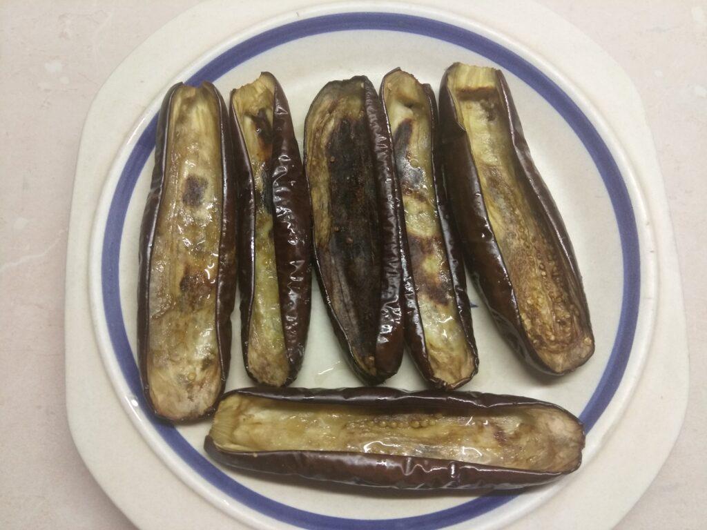 Фото рецепта - Запеченные баклажаны, фаршированные сардинами - шаг 5