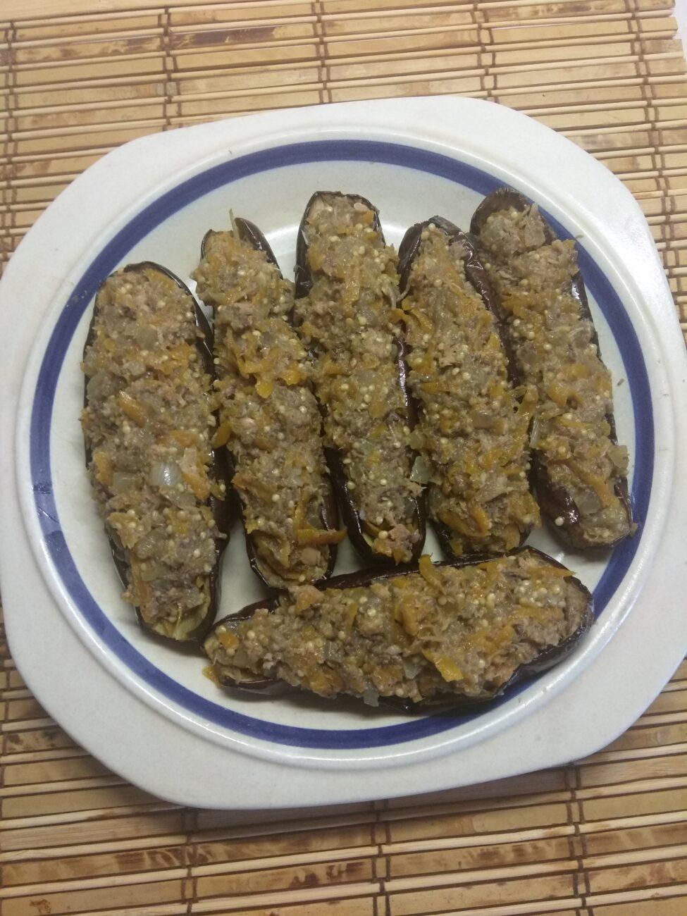 Запеченные баклажаны, фаршированные сардинами