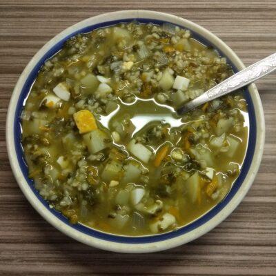 Зеленый борщ с булгуром (щавельный суп) - рецепт с фото