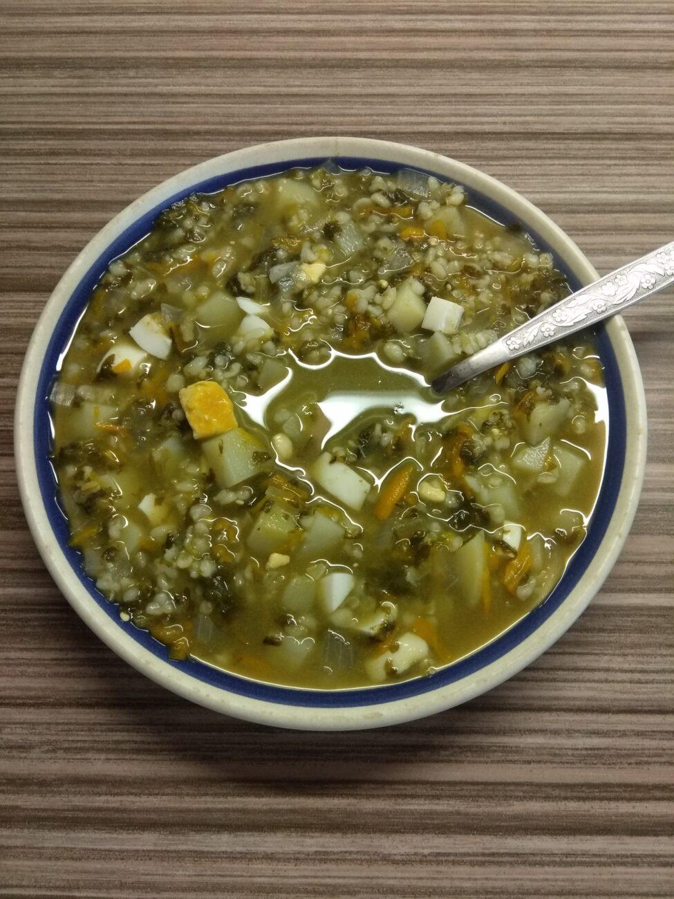 Зеленый борщ с булгуром (щавельный суп)