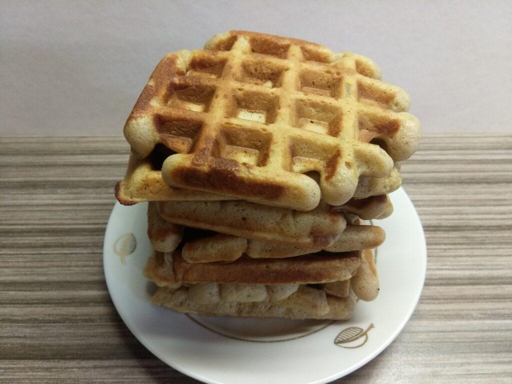 Фото рецепта - Яблочные вафли - шаг 6