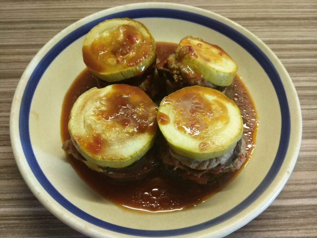 Фото рецепта - Башенки из кабачков, баклажанов и мяса индейки - шаг 6