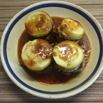 Башенки из кабачков, баклажанов и мяса индейки - рецепт с фото