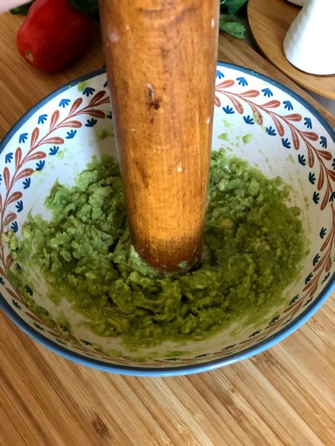 Фото рецепта - Гуакамоле – мексиканская паста - шаг 4