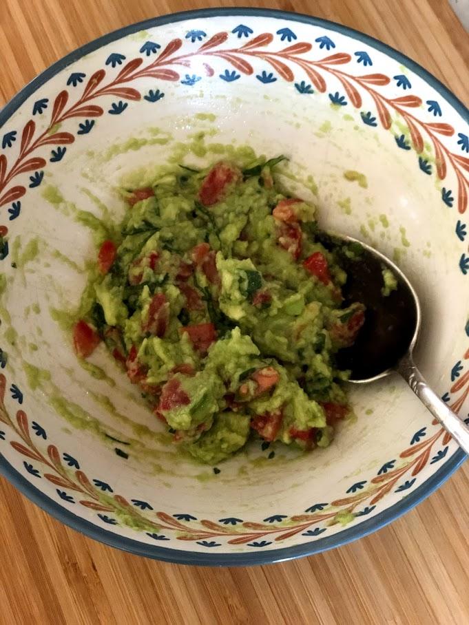 Фото рецепта - Гуакамоле – мексиканская паста - шаг 8