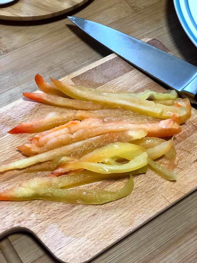Фото рецепта - Теплый салат с креветками и спаржей - шаг 4
