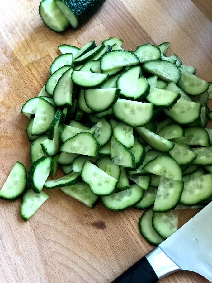 Фото рецепта - Салат из пекинской капусты и огурцов - шаг 4