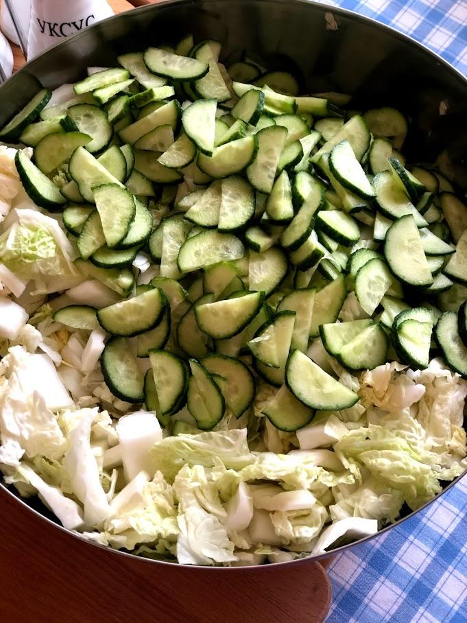Фото рецепта - Салат из пекинской капусты и огурцов - шаг 5
