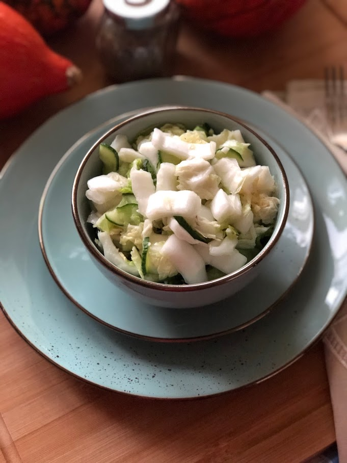 Салат из пекинской капусты и огурцов