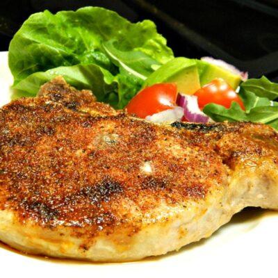 Запеченный свиной стейк - рецепт с фото