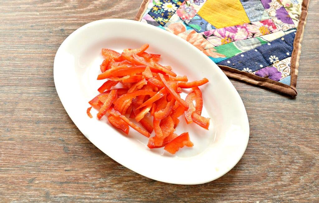 Фото рецепта - Капустный салат с ананасом - шаг 2