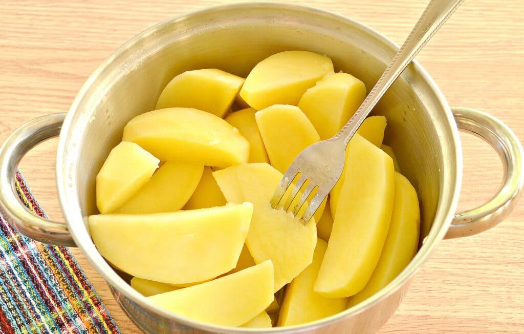 Фото рецепта - Картофельное пюре без молока с яйцом - шаг 3