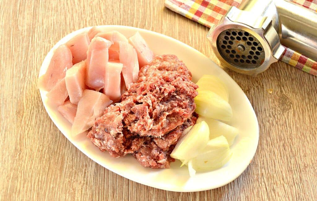 Фото рецепта - Начинка для пельменей из говядины и куриной грудки - шаг 3