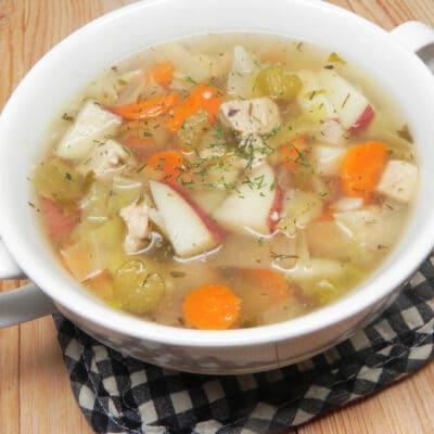 Куриный суп с капустой и сельдереем - рецепт с фото