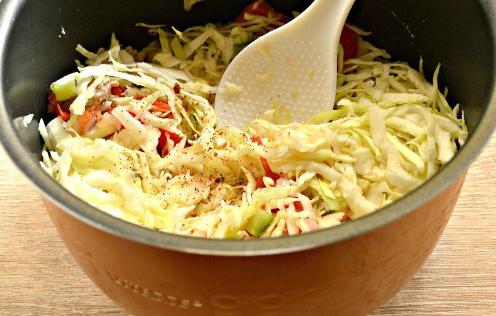 Фото рецепта - Свинина тушеная с капустой и замороженными овощами в мультиварке - шаг 5