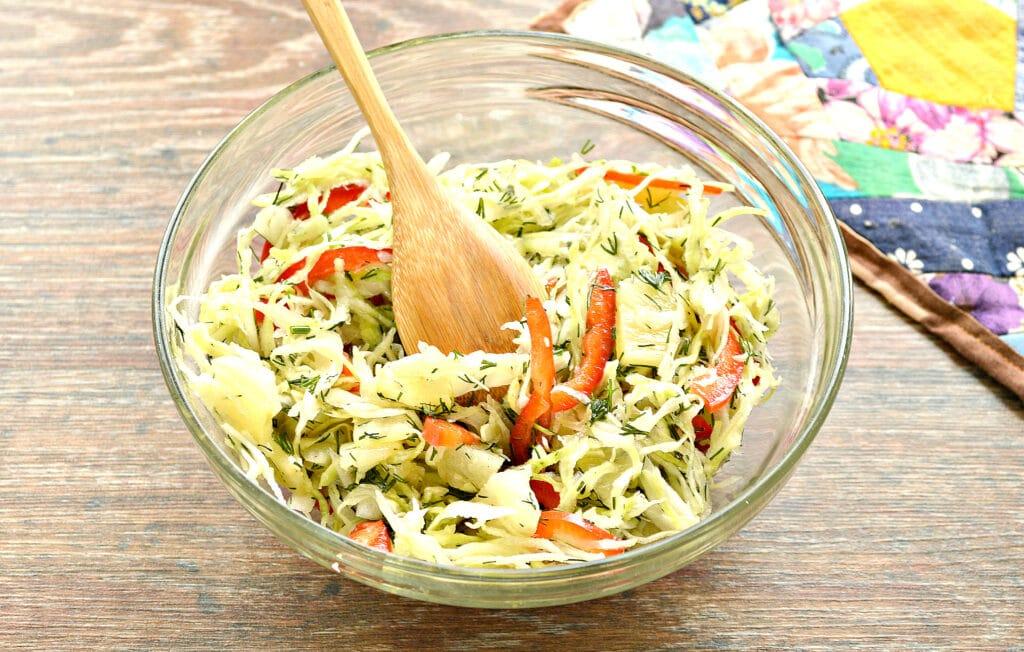 Фото рецепта - Капустный салат с ананасом - шаг 5
