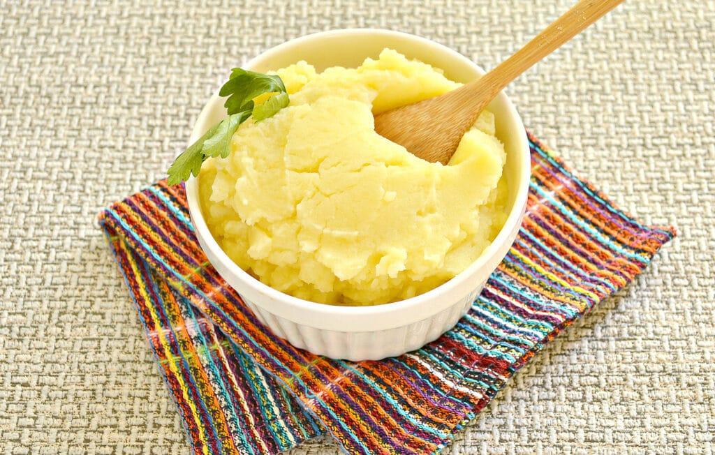 Фото рецепта - Картофельное пюре без молока с яйцом - шаг 6